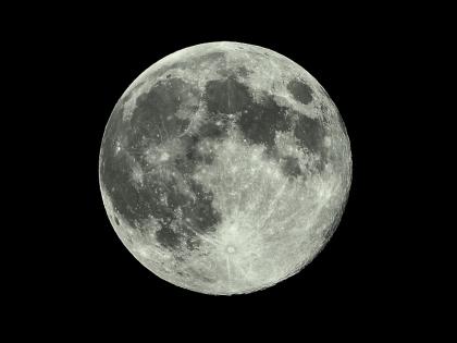 Last_full_moon_1